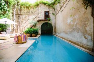 résine polyester piscine
